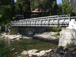 China Portable Bailey Bridge Heavy Load Capacity , Strong Structure Rigidity supplier
